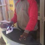 Je suis Modibo Bamba KEÏTA, jeune entrepreneur malien, promoteur de l'entreprise PRESSING MANDÉ.